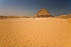 (729) Stufenpyramide (avalon20_(mac)) Tags: africa geotagged pyramid egypt 500 ägypten sakkara misr eos40d schulzaktivreisen