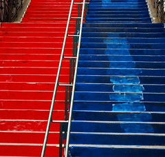 the staircase of red and blue (maudanros) Tags: italy color colour scale colors nikon colore liguria genoa genova staircase zena redandblue colori     scalinata     nikond60 rossoeblu genoacricketandfootballclub maudanros rossoebl