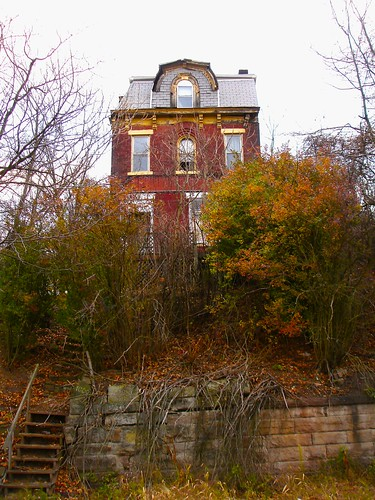Abandoned Mansions in PA http://flickeflu.com/set/72157622941230338