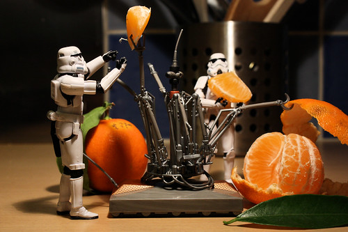 Clementine-peeler droid