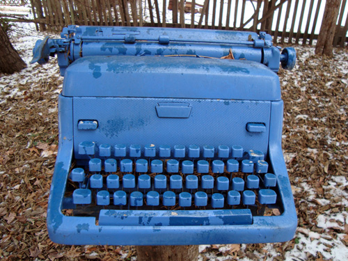 12-12-blue-typewriter