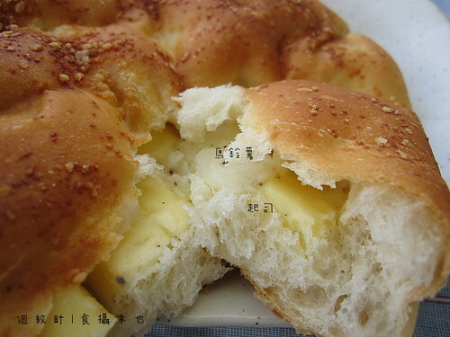 哈肯舖馬鈴薯起司麵包仔細看