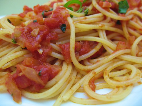 Our Veggie Kitchen: Spaghetti with Marinara Sauce