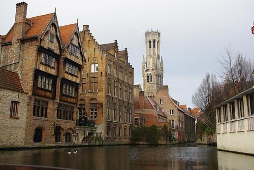 Bruges par les canaux