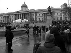 Feeding the 5000 (laurabillings) Tags: food london square lunch december feeding five crowd trafalgar free queue waste 5000 16th 2009 thousand 5k feeding5korg