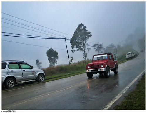 Suzuki Jimny SJ410 on the road - Mesilau, Kundasang