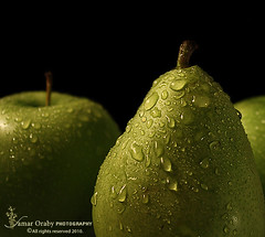 Drops (s@mar) Tags: green drops pears polarizedfilter canon450d efs1855mmf3556islens quotidiae