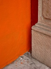cornered (msdonnalee) Tags: orange muro stone wall corner pared architecturaldetail mura minimalismo mur naranja parede mauer paintspatter orangewall  walldetail minimalisme spilledpaint abstractreality minimalismus paintdrops stonecolumn  mexicanwall  photosbydonnacleveland murodemxico