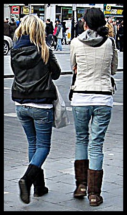 Candid! UGGS! In Dublin - 01/2010 - Girls to enjoy!:)