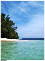 Manukan - Kota Kinabalu (sam4605) Tags: sea sky seascape beach landscape ed island scenery day laut sunny bluesky olympus kotakinabalu e1 pulau kota pantai clearwater pemandangan manukan manukanisland zd 1442mm