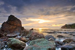 Green Rocks Sunset - John Muir Beach California (Darvin Atkeson) Tags: ocean california park sunset sea usa beach america john photography us state pacific marin beaches headlands muir    darvin atkeson  darv   liquidmoonlightcom liquidmoonlight