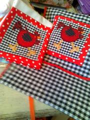 Pano Avulso (Dipano Ateli) Tags: de galinha pano patchwork prato cozinha jogos tecido aplicao apliqu dipano