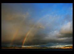 Scotland: Orsay Rainbows (Frank Will) Tags: uk england lighthouse colour rot nature weather rural canon landscape coast scotland rainbow united north norden kingdom whiskey lila gelb islay blau mull 2009 arran bunt regenbogen schottland mkiii frankwill naturewatcher destilleries