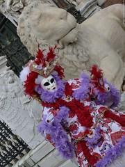 Carnival of Venice 2010 - Carnevale di Venezia 2010 - Carnavale de Venise 2010 - Third day (Nemodus photos) Tags: carnival venice portrait france veneza de costume mask carnaval venetian venise venecia venezia italie masque 2010 carnavale venitien fz50  veneti venecija venetsia veneetsia carnavalvnitien  abigfave    veneia costums  nemodus mascherevenezianedallagodicomo  carnevaledivenezia2010 carnavaldevenise2010 venetianscarnival2010 2010 karnevalvonvenedig2010 karnevaluveneciji2010