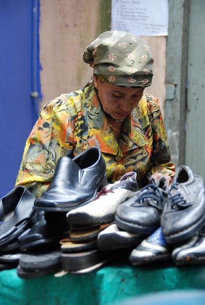 tukang kasut wanita