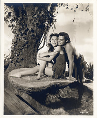7000-0216 (AliceJapan ʕ •ᴥ•ʔ) Tags: johnny maureen mgm 1941 weissmuller johnnyweissmuller maureenosullivan o'sullivan tarzan'ssecrettreasure