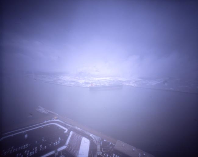 この写真をクリックすると、私のフリッカー掲載サイトのページが別ウィンドウで開きます。http://www.flickr.com/photos/harianabito/4437922279/「秋田土崎  3:外はアッという間の積雪」なお、この画像より小さなものとなります。