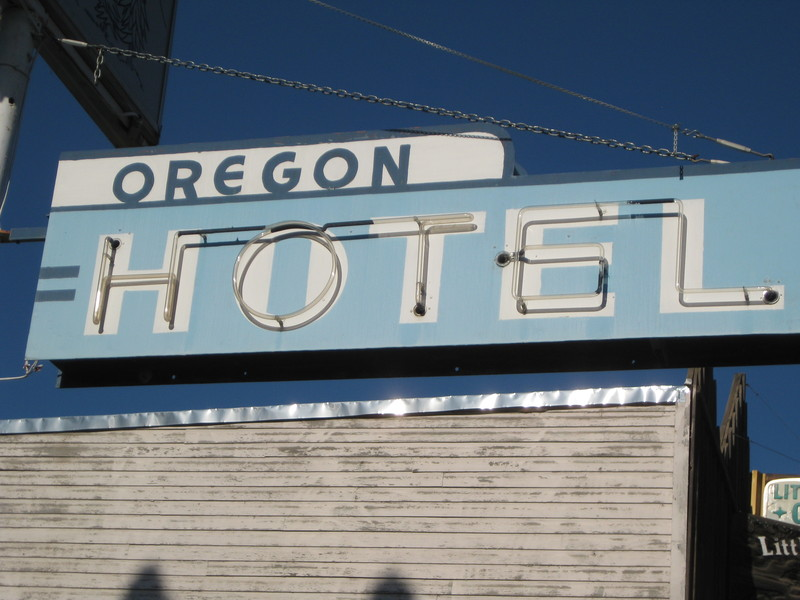 Oregon Hotel Sign