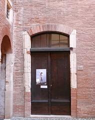 Toulouse (31),  Maison de l'Occitanie, rue Malcousinat (Marie-Hlne Cingal) Tags: door france puerta porte toulouse 31 tr occitanie hautegaronne midipyrnes capitouls maisondeloccitanie boysson cheverry htelboysson htelcheverry