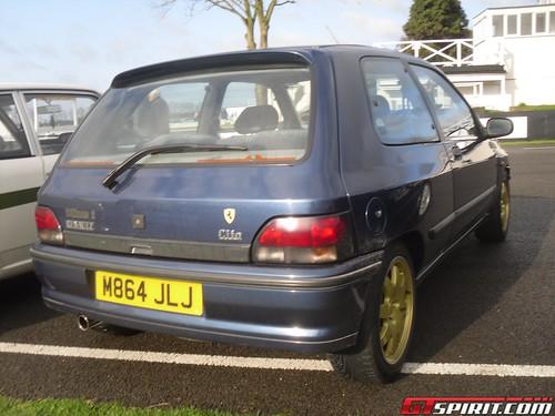 Renault 5 Campus Prima. Queue renault example of