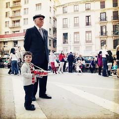 abuelito... (LauraDeu) Tags: happiness felicidad málaga semanasanta tambor procesión