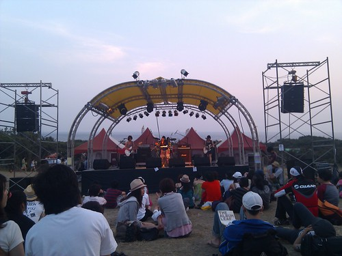 "spring scream's central seafront stage, featuring taiwan's band  ""braces"""