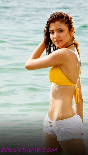 anushka sharma hot pics in badmaash company. Anushka Sharma Hot Scans from