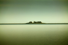 In Between (Dadschaen) Tags: sea sky island farm islet schleswigholstein wate hallig notherngermany