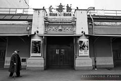 Blue Note Milano - Il tempio del Jazz (bibendum84) Tags: door blue music milan canon temple mark milano entrance jazz note ii musica porta 5d porte prada ingresso entrée alessandro tempio