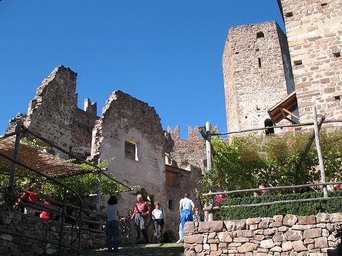 Innenhof von Schloss Hocheppan