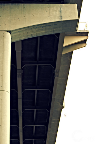 Overpass_1_pale