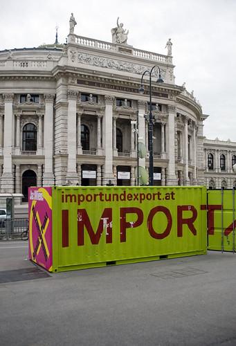 IMPORT/EXPORT am Rathausplatz