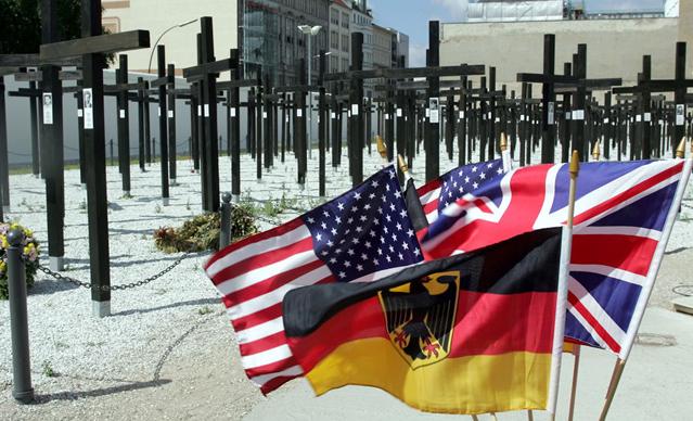柏林墙倒塌照片22