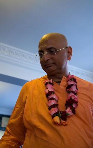 H H Bhakti Caru Swami 2010 - 0026 por ISKCON desire tree.