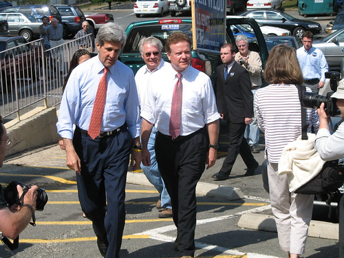 Kerry and Webb walking to 2006 rally