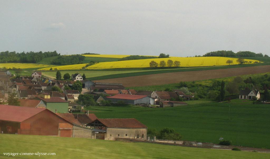 Village français en pleine campagne