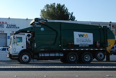 WASTE MANAGEMENT (WM) TRUCK 207605 (Navymailman) Tags: trash truck garbage wm management waste wastemanagement