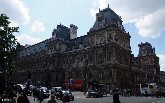 L'Hôtel de Ville, coté rue de Lobau