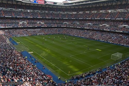 Partido benéfico veteranos Real Madrid VS viejas glorias AC Milán