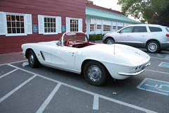 IMG_2032 (raider3_anime) Tags: white classic cool convertible corvette 1962 cabriolet chervrolet
