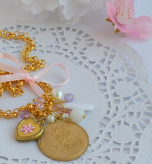 ♥ Je t'aime ♥ (BijouxKa) Tags: pink flowers summer white color vintage french golden necklace spring heart sweet handmade text jewelry bijuteria medal colar jetaime bijouxka