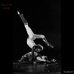 Contortion (Eric Gillet - Shoot That Klown) Tags: art de circus nancy lib cirque fou vire san francisco society bottle nancykay ha lightning vau fou rougelabelle lib2010