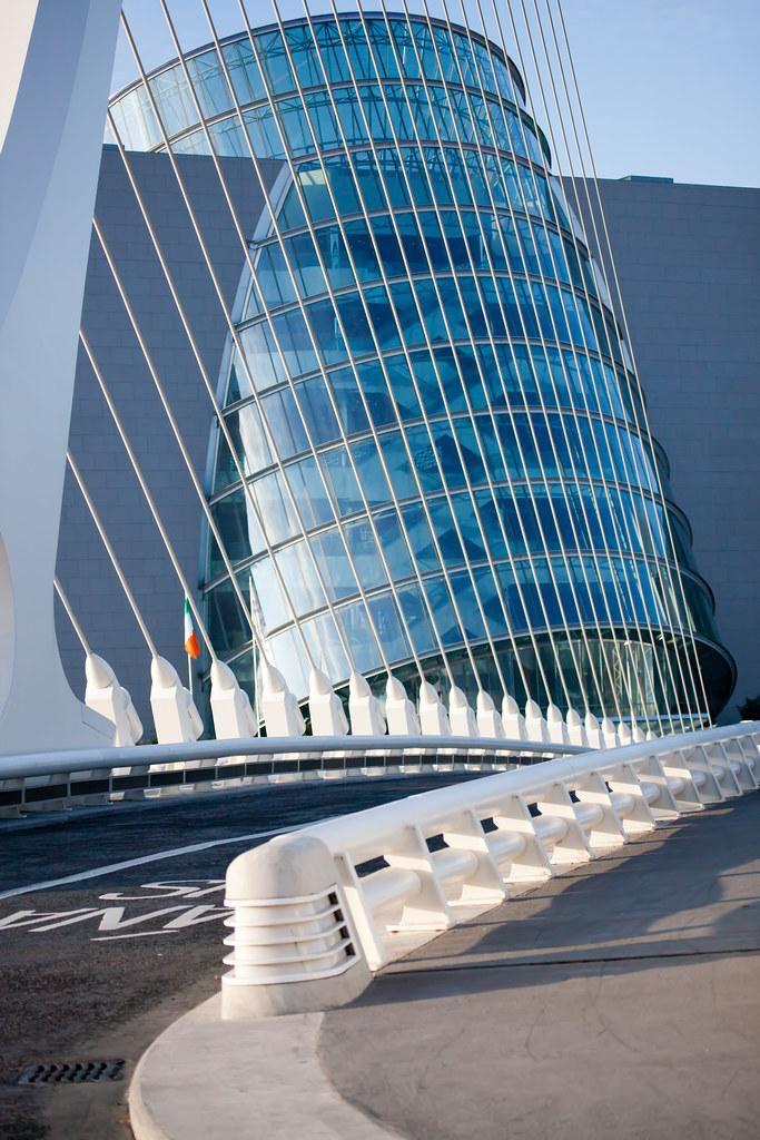 The_Samuel_Beckett_Bridge-1200.jpg