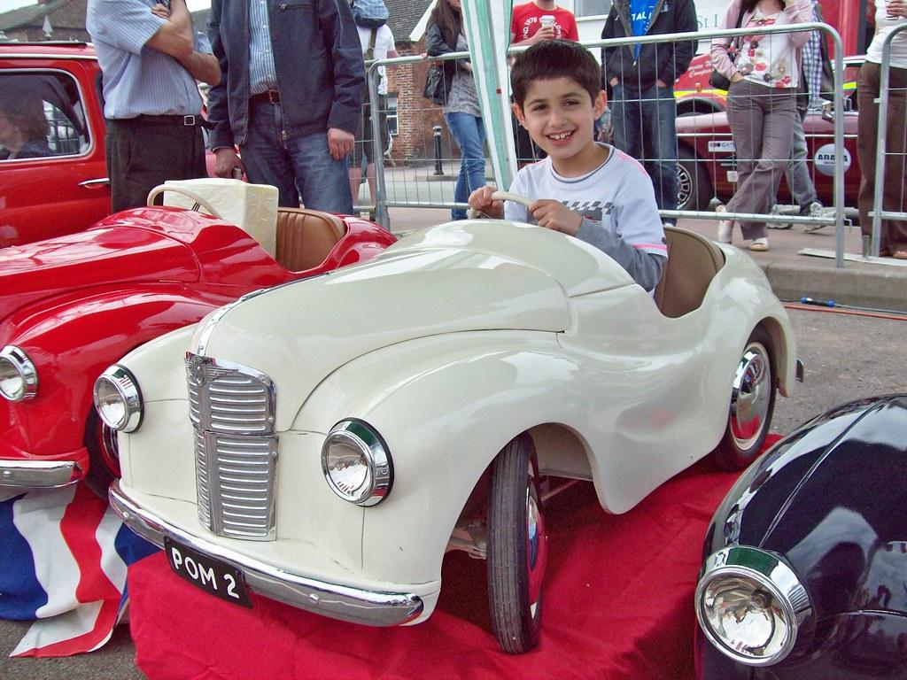 29 Austin J40 Pedal Car (1950-71)