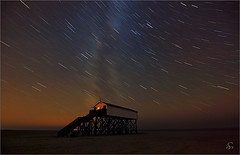 when stars are falling ... (Sandra Bartocha) Tags: stars northsea nightshots nordsee startrails sterne milkyway stpeterording milchstrasse nordfriesland nachtaufnahmen sternenbahnen