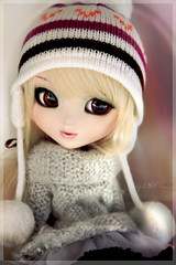 My pretty first. (Chrii Chrii) Tags: autumn winter hat canon rainbow eyes doll sparkle pullip celsiy