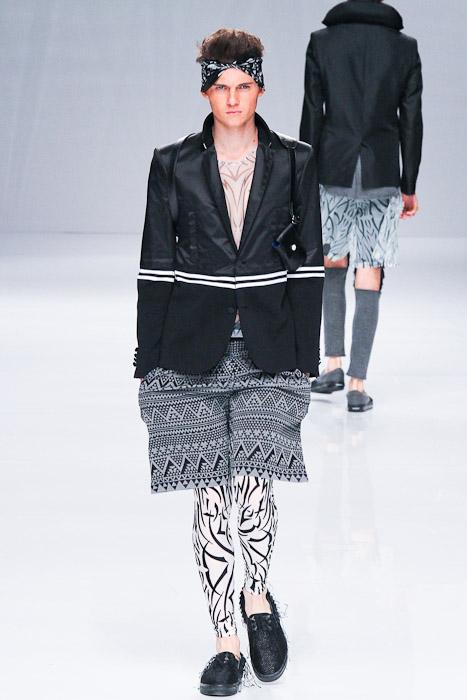 Matteo Haitzmann3060_SS11_Tokyo_PHENOMENON(Fashionsnap)