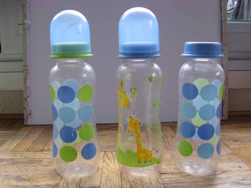 3 plastic bottles- 3E set