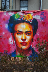 Kahlo (justingreen19) Tags: axecolours firststreetgarden frida fridakahlo kahlo ny nyc newyork newyorkcity street art billboard bowery eastside graffiti justingreen19 manhattan mural park portrait publicart spraycan streetart urban urbanabstract urbanart usa urbannature graffitiportrait