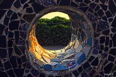 Con un rayo de sol (Gaby Fil Φ) Tags: lima miraflores perú sudamérica parquedelamormiraflores maleconesdemiraflores esculturas atardecer sunset ocasos